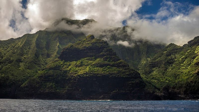 a picture of beach and mountain at Hawaii Beach