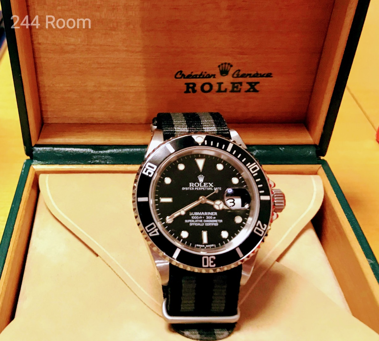 Rolex-submarinerdate-genuine-box4