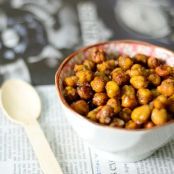 sweet spiced chickpeas with maple syrup