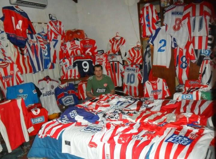 La Mirada De Un Coleccionista   Colecciones de camisetas de fútbol ... 1fca6f2d21c