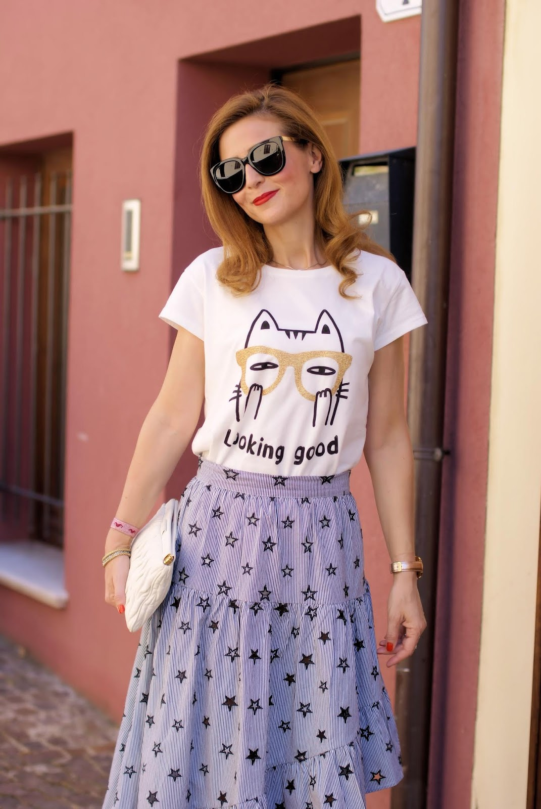 Asymmetric ruffle skirt and Vicolo Looking Good tshirt on Fashion and Cookies fashion blog, fashion blogger style