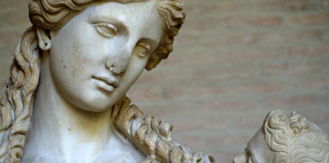 Σε ποια άλλη γλώσσα μπορεί να συμβεί αυτό; Η αρχαία ελληνική ευχή της μάνας στον γιο, έξι λέξεις μόνο φωνήεντα!