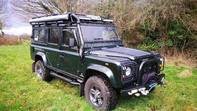 Landrover Defender: Land Rover Defender 110 CSW with sought after