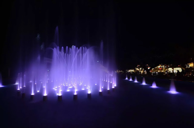 11 Plaza Salcedo Dancing Fountains