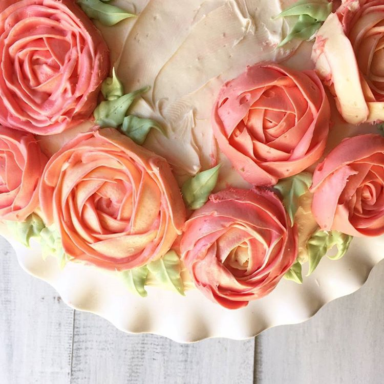 A ranunculus buttercream cake and an awesome bday party handmade korean buttercream ranunculus mightylinksfo