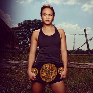 Foto Michelle Waterson Paha Mulus
