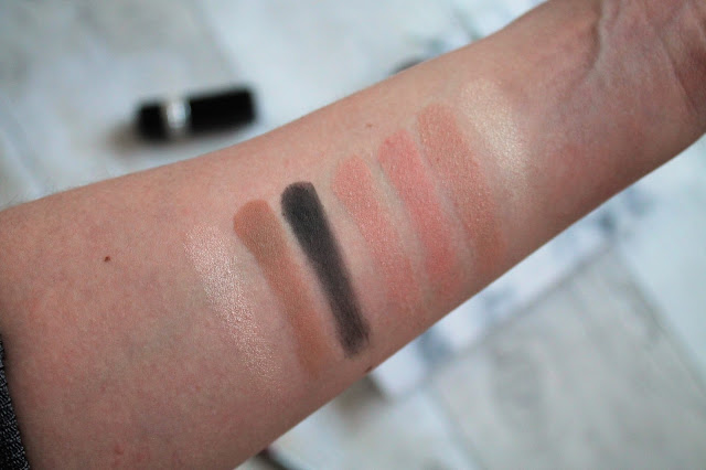 Charlotte Tilbury Instant Look in a Palette Smokey Eye Beauty Swatches