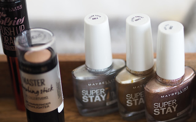 A picture of Maybelline Super Stay Nail Polishes