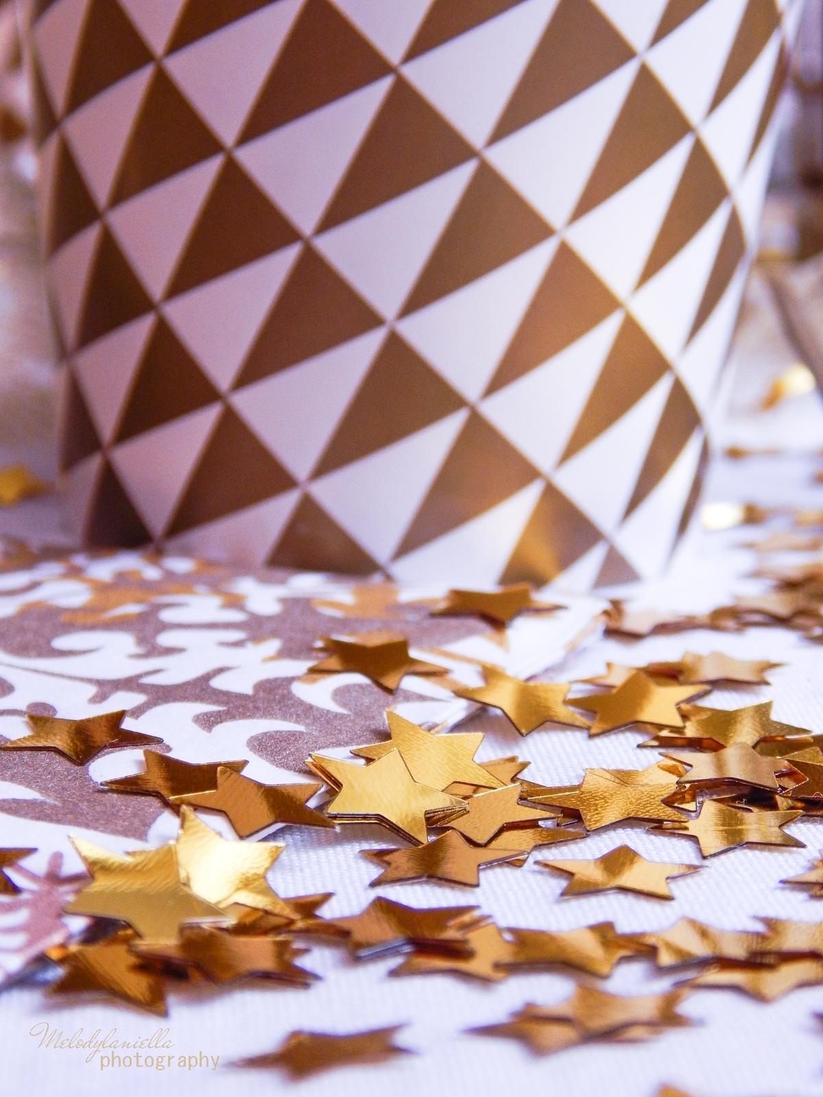 3 jak udekorować stół na imprezę dekoracja stołu karnawałowego świątecznego weselnego urodzinowego dekoracje dodatki partybox.pl partybox sklep z dodatkami na imprezy ciekawe gadżety