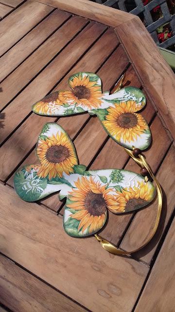 Inspiracje ze świata przyrody – sielskie motyle ze słonecznikami :)