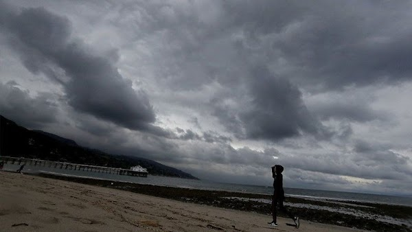 Una Fuerte tormenta de invierno se mueve hacia el sur de California, lo que desencadena advertencias de inundaciones repentinas y aludes