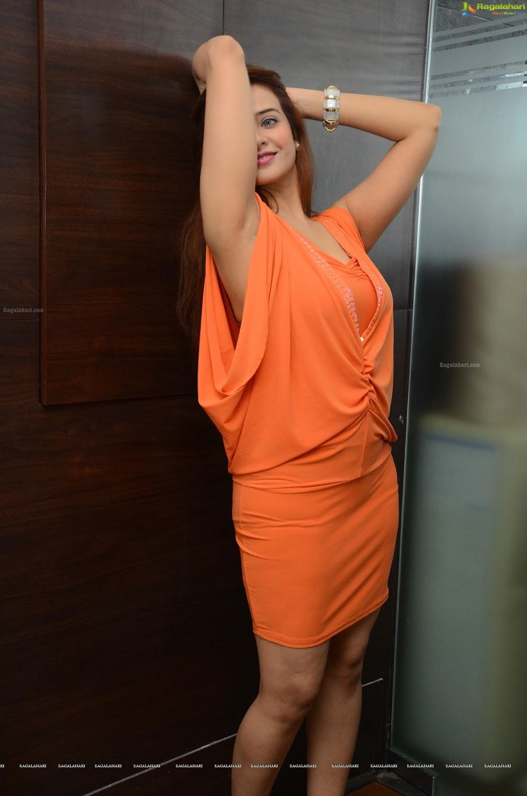 Armpit Actress Photo Saloni Hot Armpit Show-9496