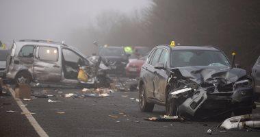 مقتل 5 افراد في تصادم سيارتين باسيوط