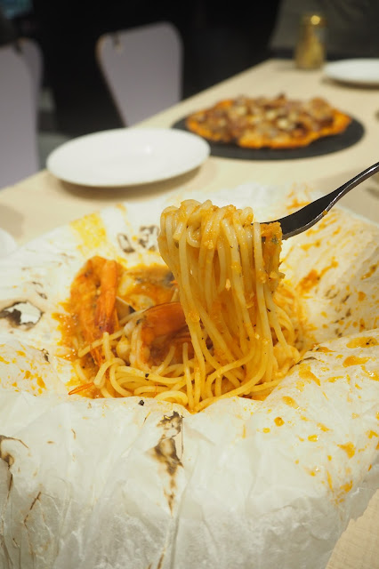 The Wicked Garlic Spaghetti Marinara Alla Cartoccio — S$19.00