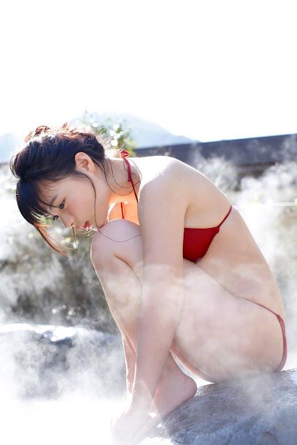 星名美津紀 Hoshina Mizuki Bikini At Onsen Pictures 11