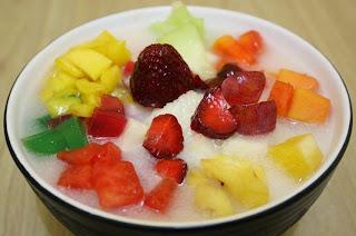 resep cara membuat es sop buah segar sederhana praktis untuk berbuka puasa dan lebaran
