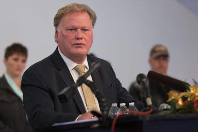 Se suicida el legislador republicano de Kentucky señalado de abusar de menor