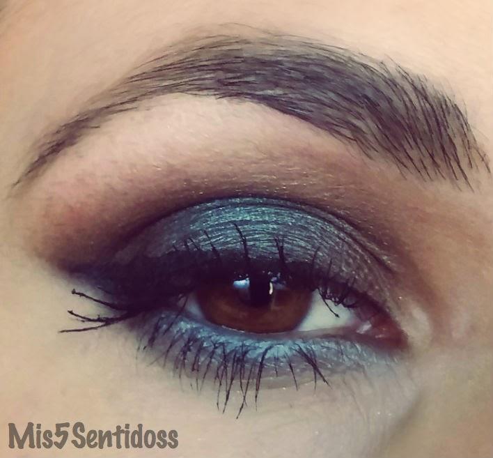 Maquillaje en tonos verdes y marrones