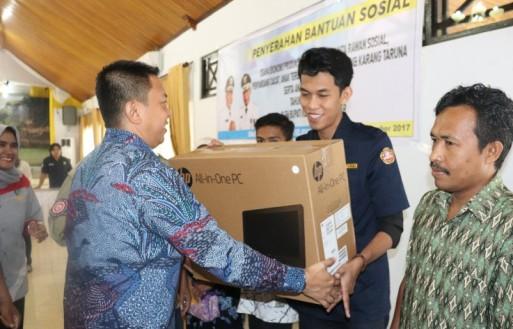 Bupati Serahkan Simbolis, Bantuan Sosial TA 2017