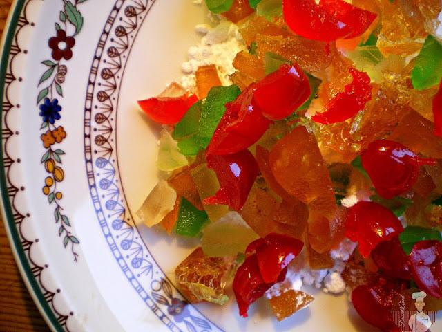 Bizcocho de jengibre con fruta confitada: fruta escarchada
