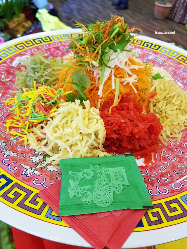 Fortune Yee Sang with Golden Sea Whelk and Golden Corn