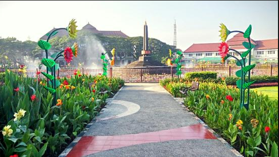 20 Tempat Wisata Malang Kota Terbaru Terfavorit Anti Mainstream Alun-alun Tugu Malang