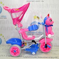Sepeda Roda Tiga Family F845GT Kuda Poni Suspensi Musik Dobel Bintang Ban Jumbo