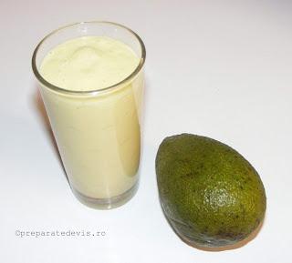 Smothie de avocado retete culinare,