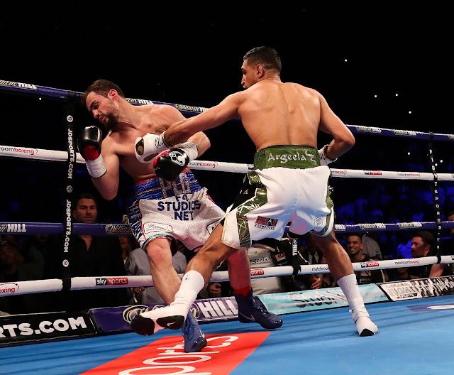 Amir Khan Defeats Lo Greco
