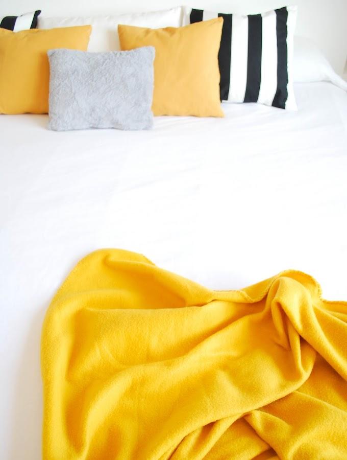 My home: color mostaza en el dormitorio III por www.mylittlebrunch.com
