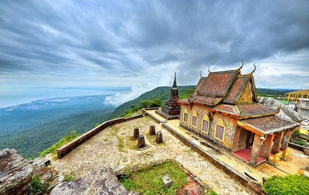 Travel Bokor Hill Station in Cambodia