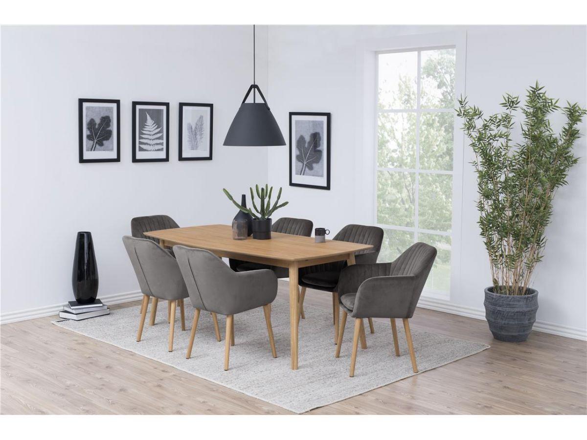 Klasyczne krzesła do jadalni