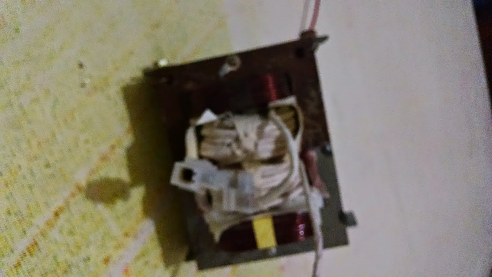 Transformador principal da máquina de solda caseira.