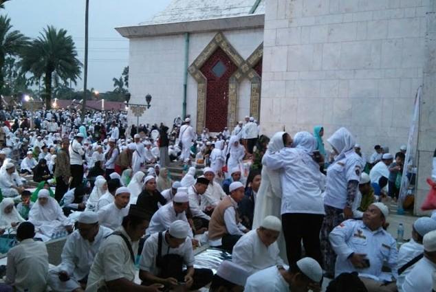 Sempat Diwarnai Ketegangan saat Kepergian Djarot dari Masjid At-Tin