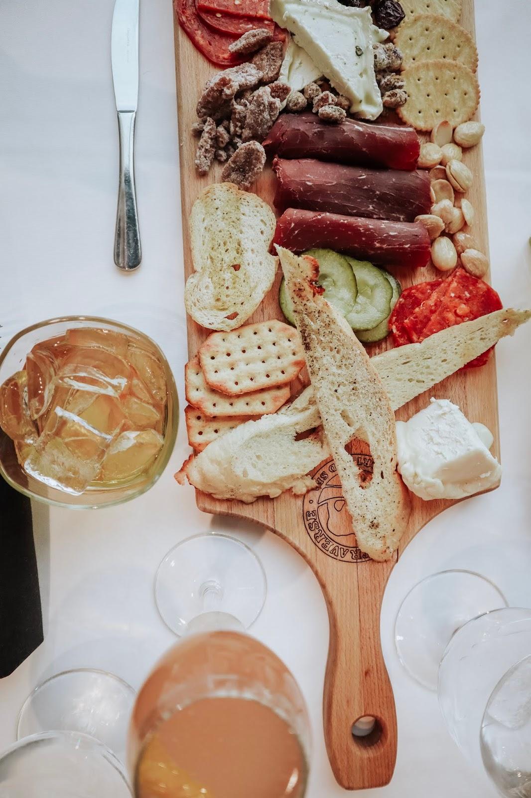 https://www.grandtraverseresort.com/dining/aerie-restaurant-lounge/menus