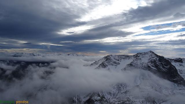 Vistas al Montihuero entre nubes
