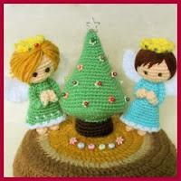 Angelitos y árbol amigurumi
