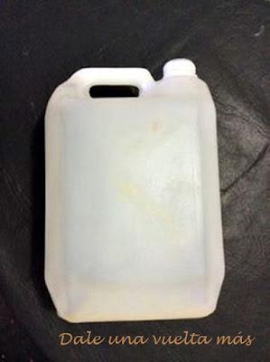 reto n°76-cesto-reciclar-bidón plástico-creatividad-jurassic home
