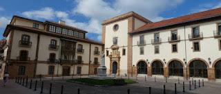 Oviedo. Plaza de Feijoo.