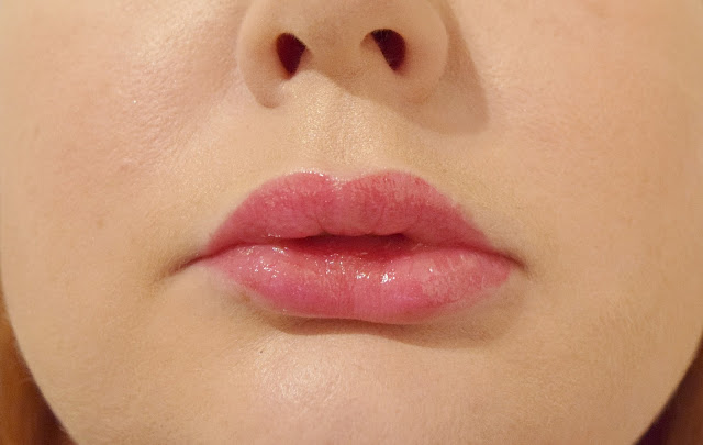 Marc Jacobs Beauty Enamoured Hi-Shine Gloss Lip Lacquer in Hot Hot Hot Swatch