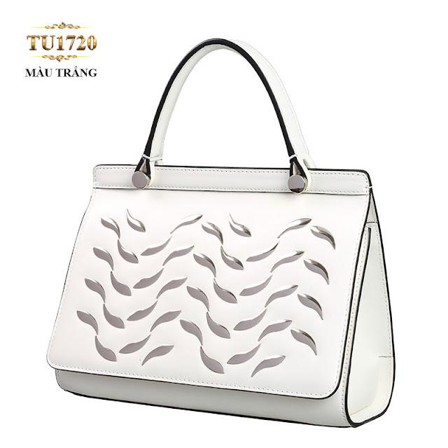 Túi xách trắng cao cấp cotout hoa văn thân trước TU1720(7,064,000 VND ) là item hoàn hảo cho tủ đồ phụ kiện của mỗi cô nàng sành điệu.