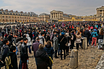 tourist crowd at Versailles at Easter weekend