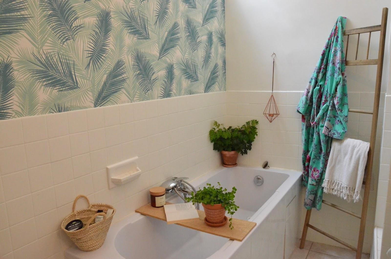ephemere my home voici enfin je vous l 39 accorde les photos de ma salle de bain a la. Black Bedroom Furniture Sets. Home Design Ideas