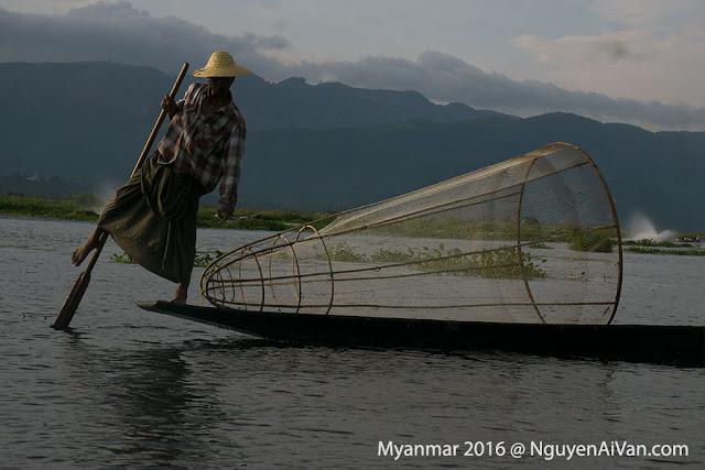 Đánh cá ở hồ Inle