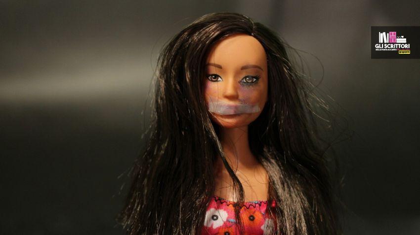 Beaten Barbie dice no alla violenza sulle donne