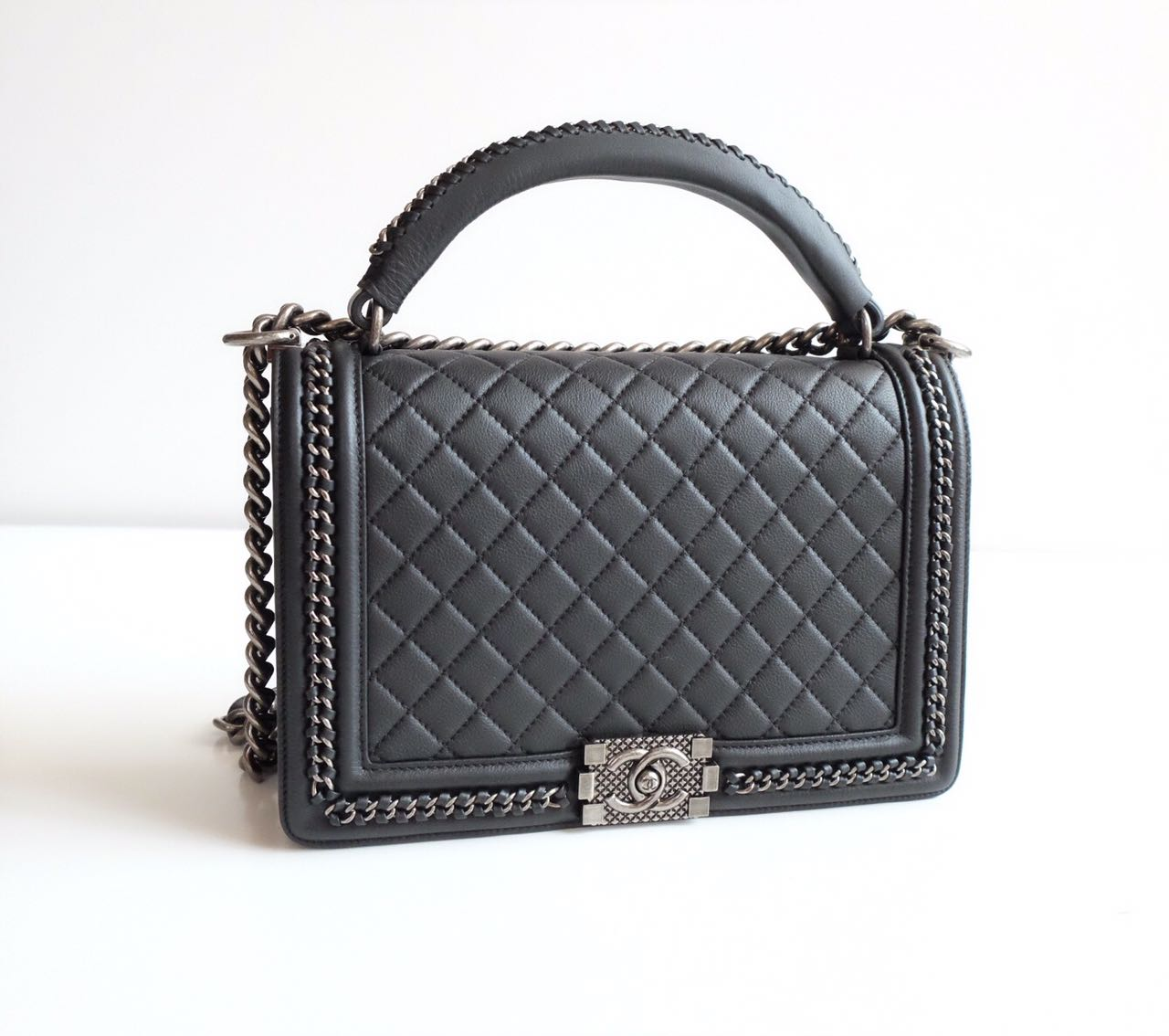 Code  Chanel Boy Medium 25Cm Quilted with Handle Calfskin Silver Vintage HW  Chain Mirror Original Leather Bag 28f8f2ed3d