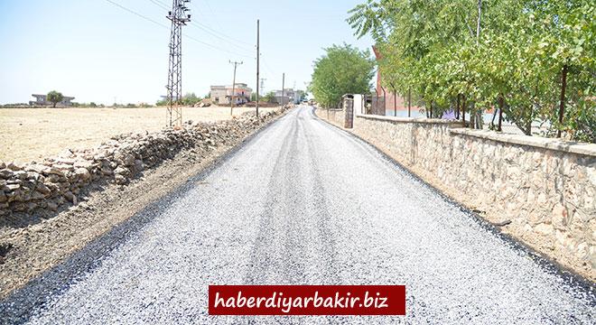 Diyarbakır Büyükşehir Belediyesi, Dicle'nin kırsal mahalle yollarını yeniliyor