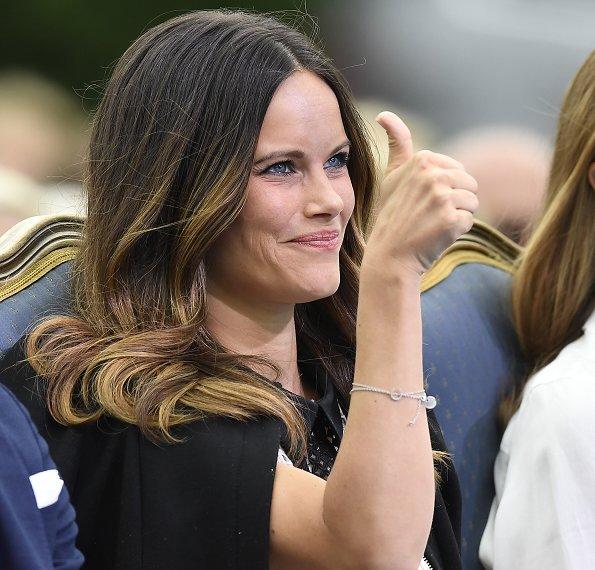 Swedish royals attend victoria 39 s day 2016 newmyroyals - Princesse sofya ...