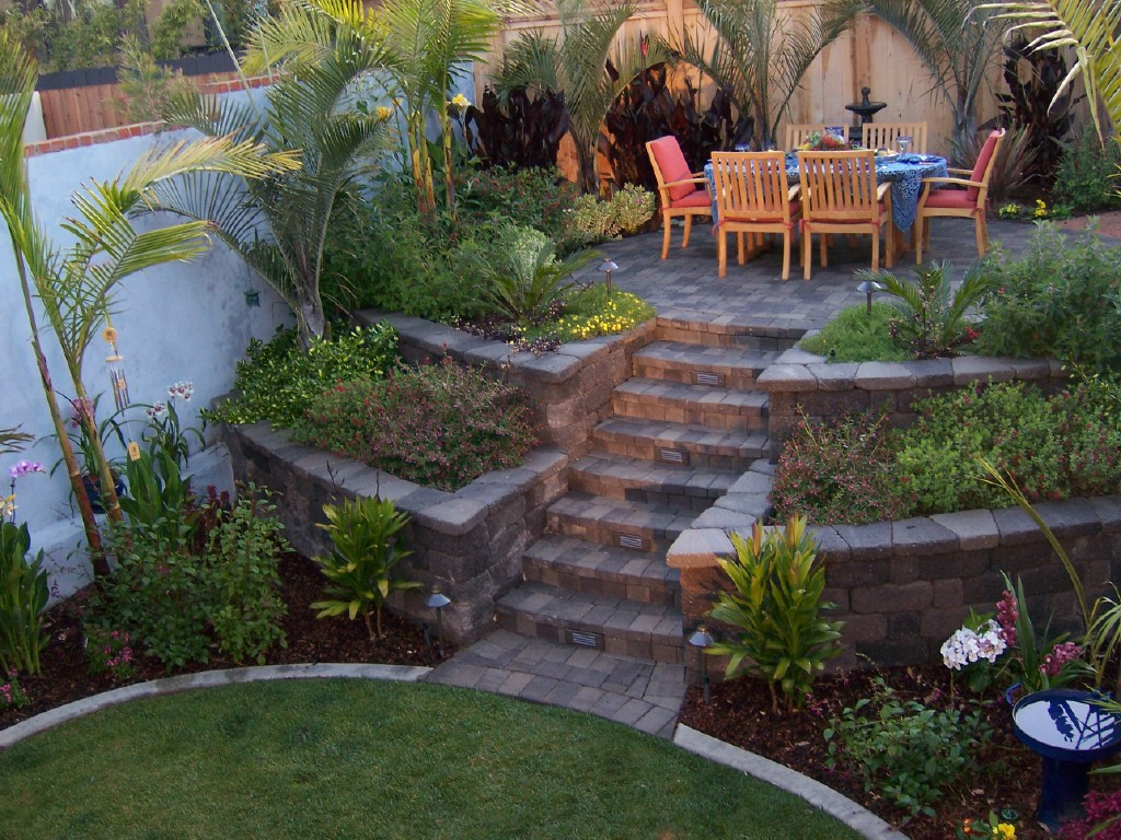 The 2 Minute Gardener: Photo - Raised Patio made from ...