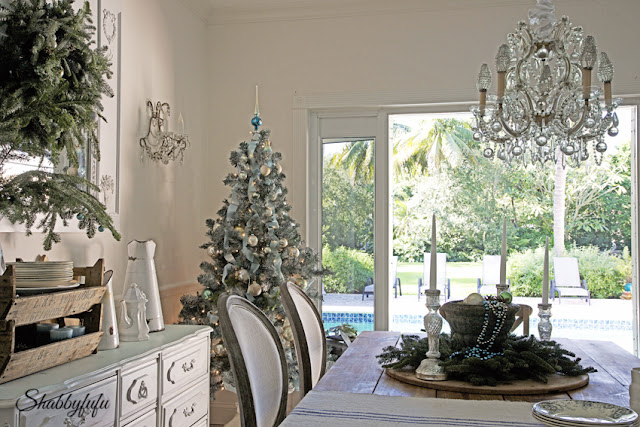 French country dining for Christmas in Miami/shabbyfufublog.com
